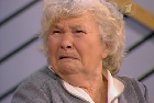 Несчастная жизнь беспомощной старушки.